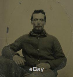1/6 Plate Civil War Tintype of Confident Union Soldier Wearing Large Cravat