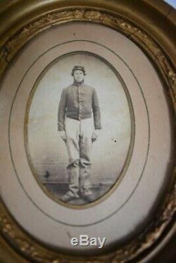 7.25 x 8.5 Framed Civil War Photo of Soldier 73-2