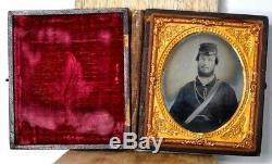 ANTIQUE TIN TYPE CIVIL WAR Photo Soldier Seated with Gun Kepi