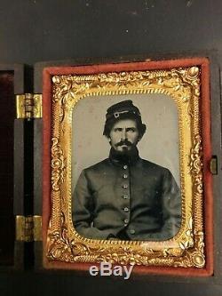 Amazingly Crisp Ninth Plate Ambrotype Handsome Union Soldier Civil War Full Case
