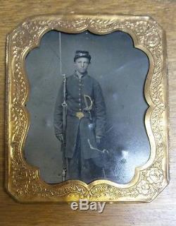 Antique CIVIL War Soldier, Full Body, Tin Frame, 2 Weapons, Waterbury Conn. #15