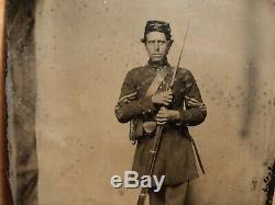 Antique CIVIL War Soldier Tintype Photo 1/4 Plate Armed Rifle With Bayonet