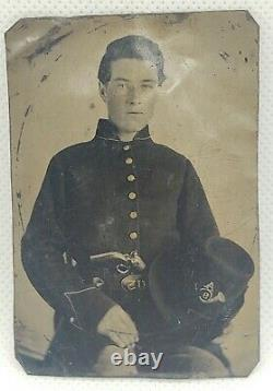 CIVIL WAR SOLDIER With PISTOL & HARDEE HAT TINTYPE 1/9 PLATE CO. A 9TH REGIMENT