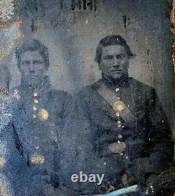CIVIL War Union Infantry Soldiers Seated In Full Uniform 1/6 Plate Tintype Photo
