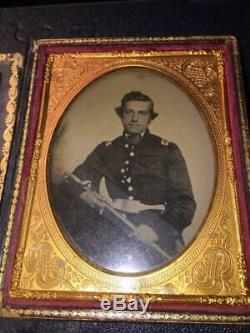 Civil War 1/4 Plate Ambrotype Union Lt with Sword Mother of Pearl Case
