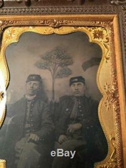 Civil War 1/4 Plate Tintype in Rare Hanging Thermoplastic Frame 2 Soldiers