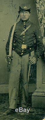 Civil War, Half Plate Ambrotype, Union Artilleryman, Full Case