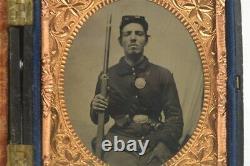 Civil War Tintype Photograph 1/6th Smug Young Soldier Armed Rifle & Bayonet