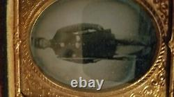 Civil War Tintype Union Soldier Armed with Veterans Medal