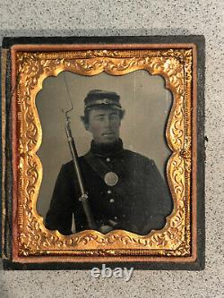 Civil War Tintype photo Union Federal Army soldier rifle bayonet photograph