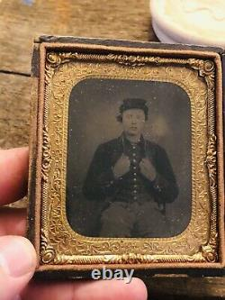 Civil War Young Union Soldier Tintype Photograph Original 1/6th plate