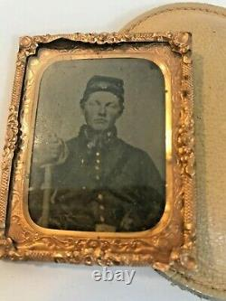 Civil War era Soldier-Tintype Photo in Brass frame-Inside period Carrycase (F)