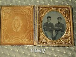 Civil War tintype photograph two soldiers in uniform