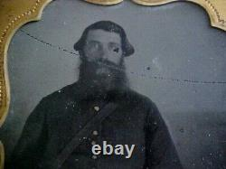 Rare. Confederate. Civil War Soldier Battle Worn hand on sword revolver on hip